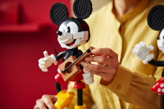 43179 Mickey Mouse & Minnie Mouse Buildable Characters Announce 25