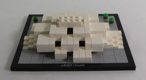4000010 LEGO House Review 11